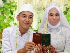 Viral Muridku Kini Jadi Suamiku, Ini Pengakuan Guru yang Dinikahi Siswanya