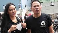 Gladiator Gantung Sepatu! Vicky Prasetyo Lamaran dengan Kalina Oktarani 24 Januari 2021