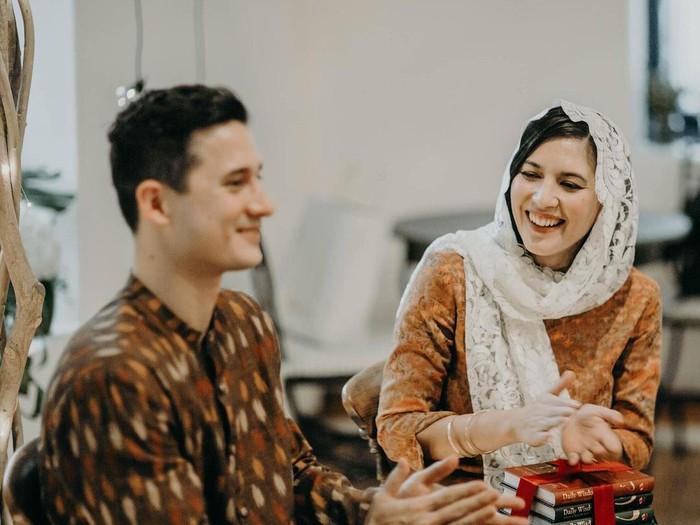 Hannah Al Rashid dan Nino Fernandez