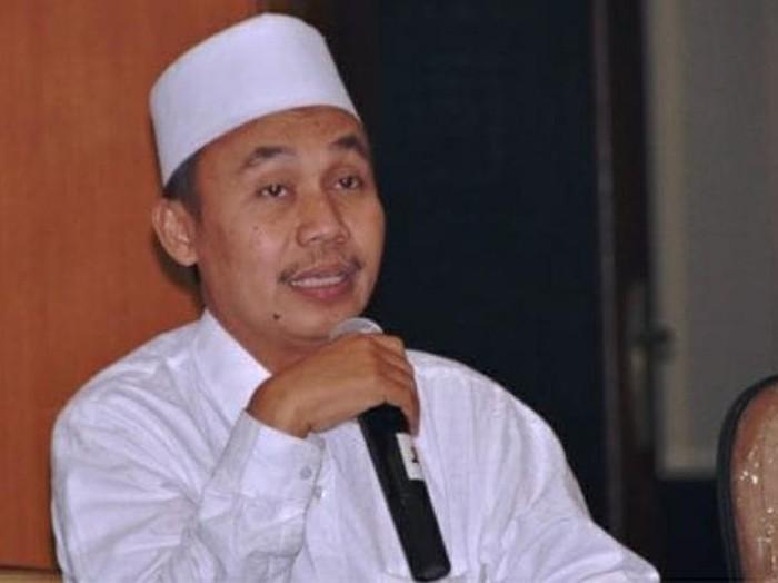 Khatib Syuriah PWNU Jatim KH Safruddin Syarif
