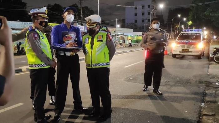 Olah TKP Kecelakaan Maut yang Libatkan Polisi di Pasar Minggu, Jaksel