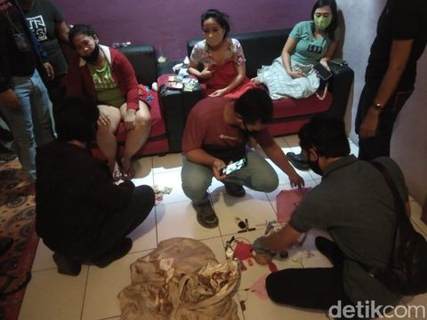 Polres Lombok Barat menggerebek spa plus-plus di Senggigi (dok. Istimewa)