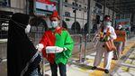 Stasiun Senen Jadi Sasaran Kampanye Prokes di Masa Libur Nataru