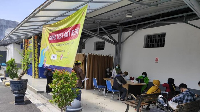 Lokasi rapid test antigen di Stasiun Poncol Semarang