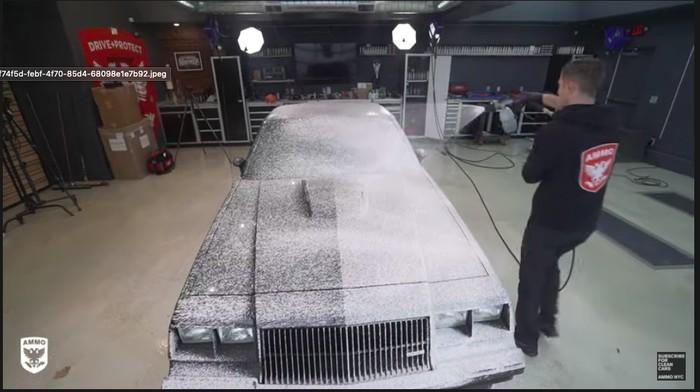 Mobil Ini Baru Dicuci Lagi Setelah 37 Tahun