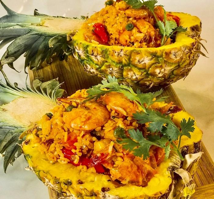 Nasi Goreng Nanas dan Seafood
