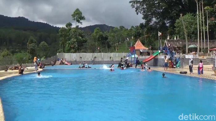 Obyek Wisata Balong Geulis Sumedang