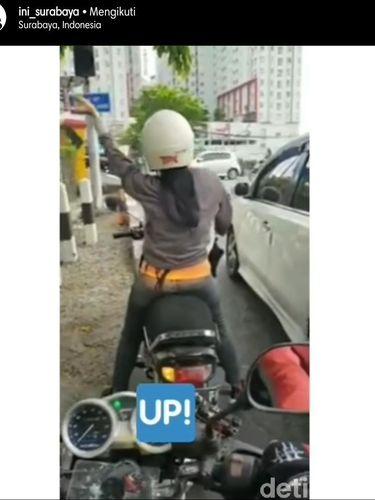 Perilaku Pengendara Motor Saat di Traffic Light yang Bikin Geregetan
