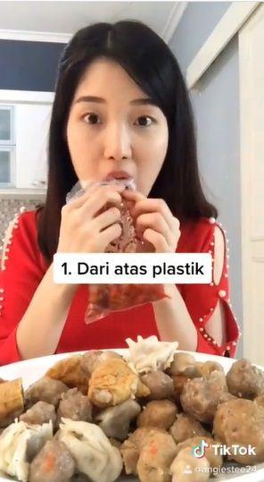 4 Tipe Orang Makan Pentol