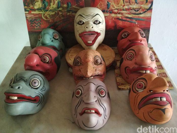 9 Topeng Punakawan Cirebon