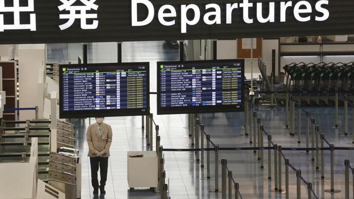 Kasus varian COVID-19 yang lebih menular ditemukan di Jepang. Akibatnya warga asing non-residen dilarang masuk ke Jepang hingga akhir Januari 2021 mendatang.