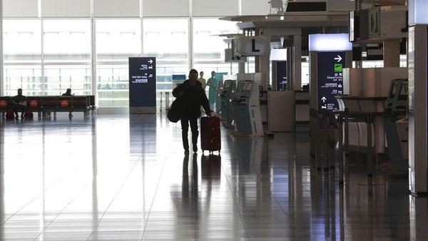 Seperti diketahui, di Jepang, dua kasus baru adalah seorang pilot berusia 30 tahunan yang kembali ke Jepang dari London pada 16 Desember dan seorang perempuan berusia 20 tahunan, salah satu anggota keluarga si pilot yang tidak memiliki riwayat kunjungan ke Inggris, lansir Kyodo News.