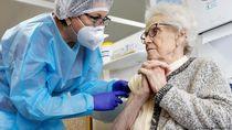 Menkes Spanyol Sebut Vaksinasi Covid-19 Berjalan Positif