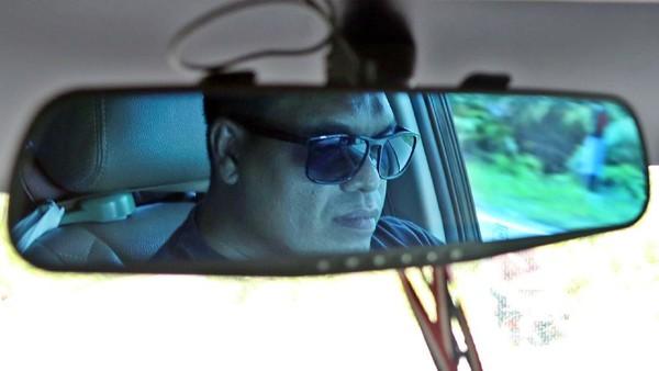 Wahyudi sudah menjalani profesi sebagai sopir Taksi sejak tahun 2002 hingga kini. Banyak asam garam dan suka duka yang telah ia lewati.
