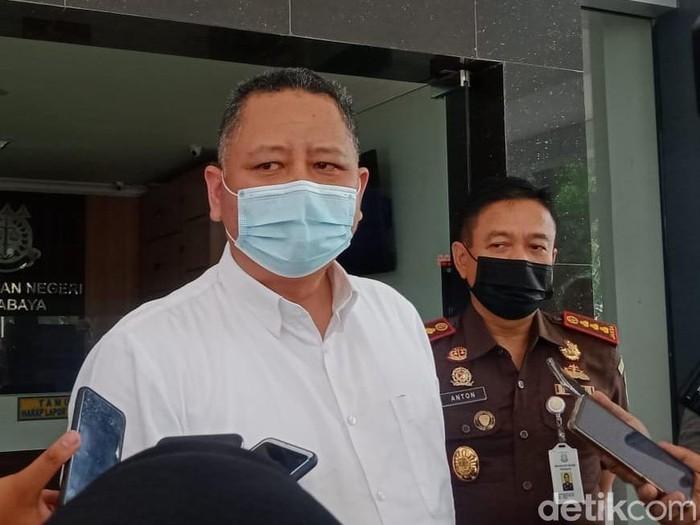 Plt Wali Kota Whisnu saat berkunjung ke kejaksaan
