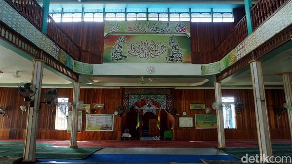 Bahkan, salah satu juru kunci makam Rasululah, yaitu Syech Habib Hamzah Mahdali sering mengajarkan Al-Quran di masjid ini dan ketika beliau wafat, jenazahnya juga disalatkan di masjid ini.