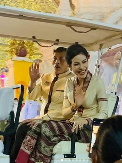 Raja Maha Vajiralongkorn dan Sineenat Wongvajirapakdi