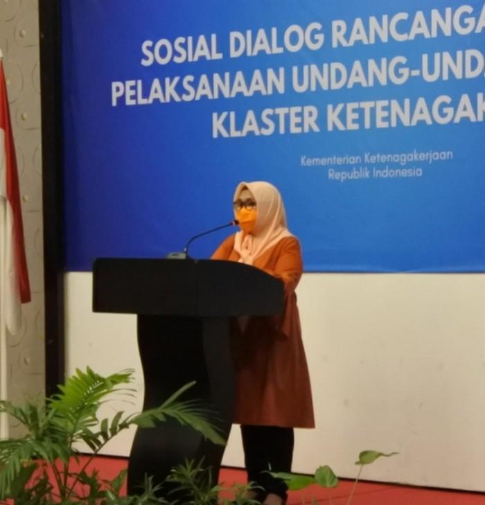 Staf Ahli Menteri Ketenagakerjaan Bidang Kebijakan Publik Reyna Usman
