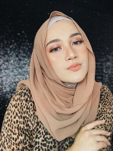 Bahan hijab diamond.