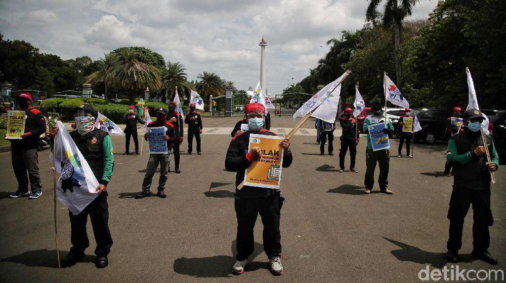 Tolak UU Ciptaker, Buruh Demo di Jakpus Terapkan Protokol Kesehatan