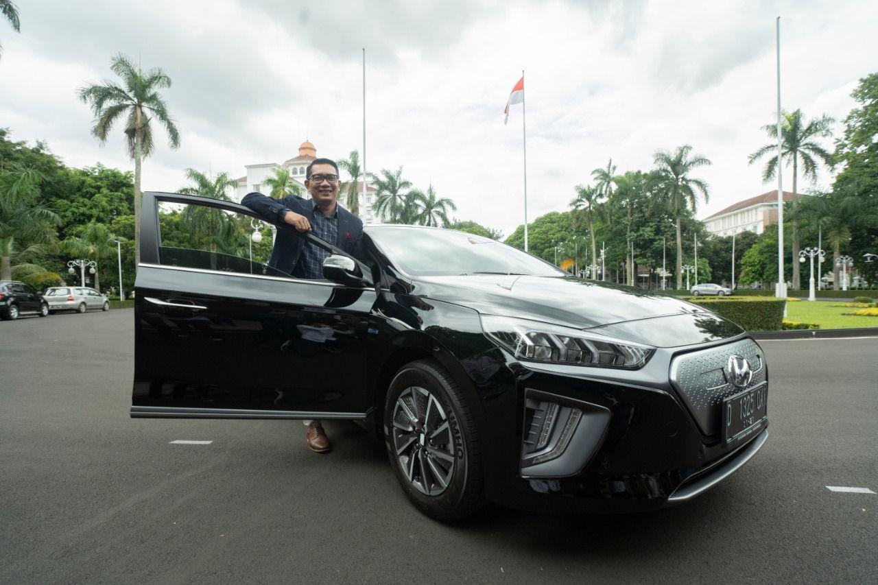 Mobil listrik Hyundai resmi jadi kendaraan operasional Pemprov Jabar