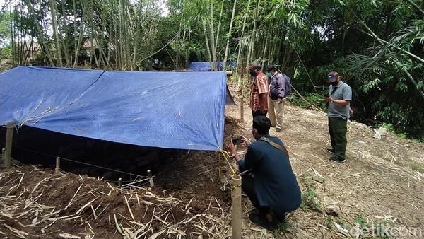 Ekskavasi pun dilakukan mulai Senin (14/12/2020) sampai dengan Sabtu (18/12) lalu. Upaya ini dilakukan karena akan dibangun jalan akses budaya yang menghubungkan Candi Mendut, Candi Pawon dan Borobudur. (Eko Susanto/detikTravel)