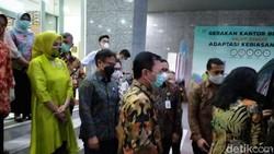 Serah terima jabatan Menteri Kesehatan jadi momen terakhir Terawan Agus Putranto berkantor di Jl HR Rasuna Said. Terawan berencana kembali jadi dokter.