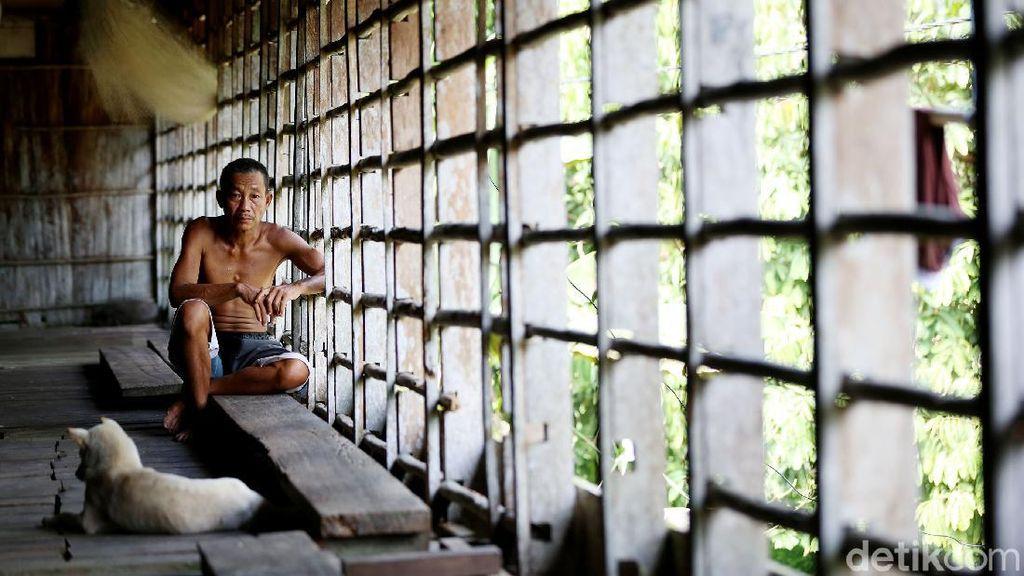 Potret Kehidupan Suku Dayak Taman di Rumah Betang Semangkok