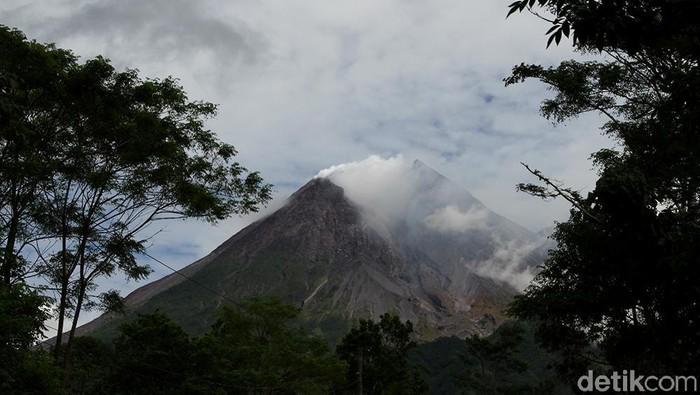 Berdasarkan data aktivitas Gunung Merapi di BPPTKG aktivitas Gunung Merapi masih tinggi sehingga status masih dalam tingkat siaga.