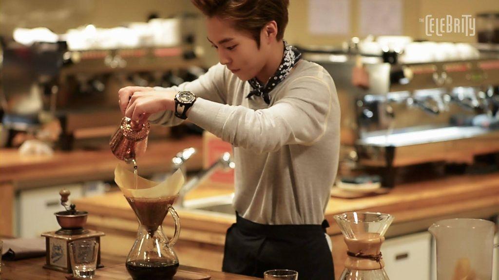 Xiumin EXO Rindu Makan Belut Panggang