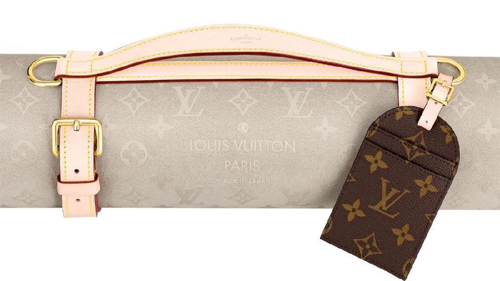 Louis Vuitton Jual Yoga Mat Kulit Sapi Rp 34 Juta, Umat Hindu Protes