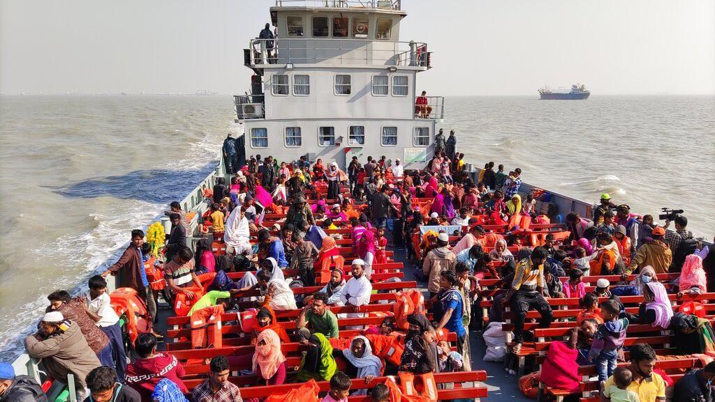 Ribuan Pengungsi Rohingya Kembali Direlokasi ke Pulau Terpencil