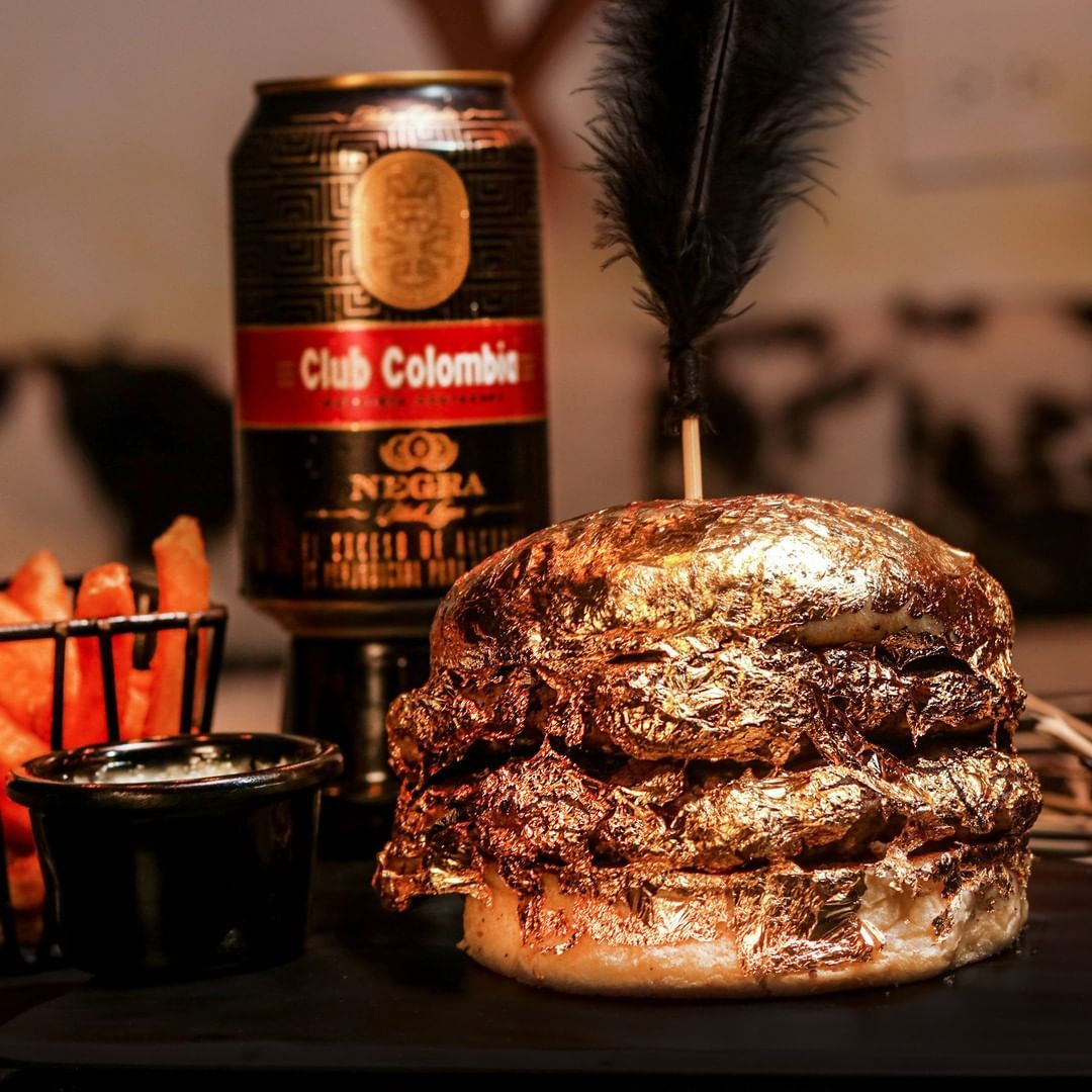 Sultan! Burger Ini Seluruhnya Dilapisi Emas 24 Karat