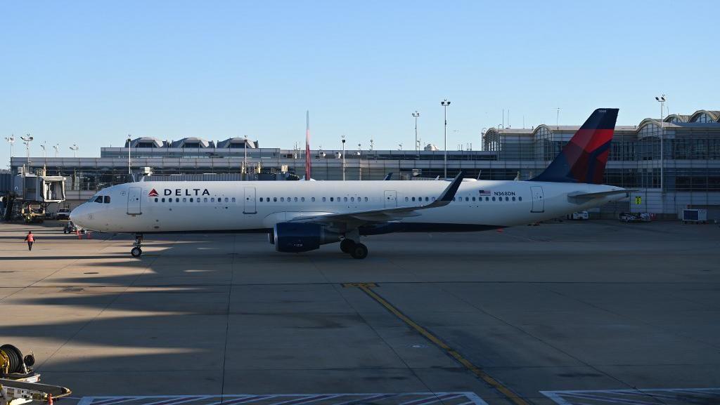 Rencana Biden soal Tes Corona Jadi Syarat Terbang Dikecam Delta Air