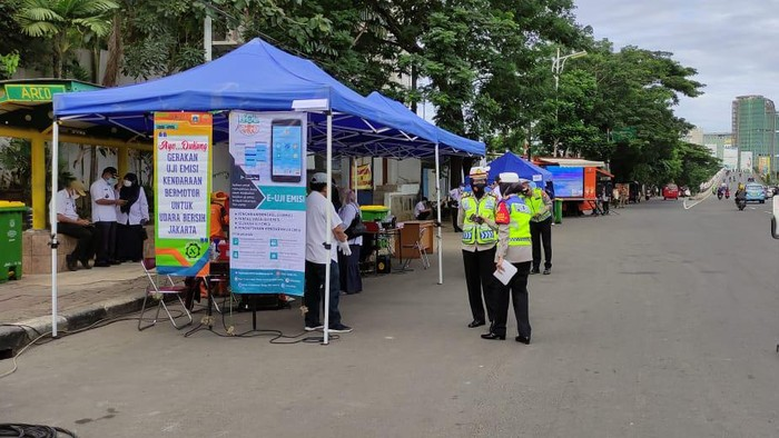 DLH DKI Gelar Uji Emisi Gratis di Jalan TB Simatupang
