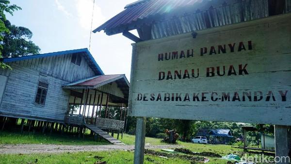 Lokasi wisata alam ini sebenarnya sangat potensial untuk membantu perekonomian warga sekitar yang ada di Bika. Sayang, kini kondisinya sangat tak terawat.