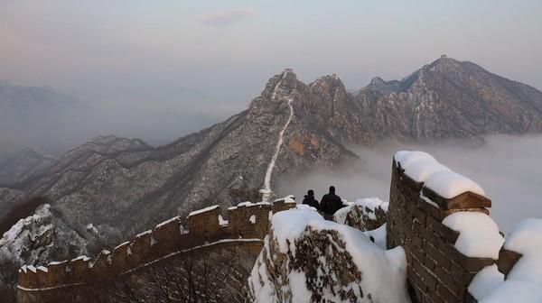 Tembok Besar Jiankou ini merupakan yang paling berbahaya dan terindah di Beijing, apalagi saat diselimuti salju di musim dingin.