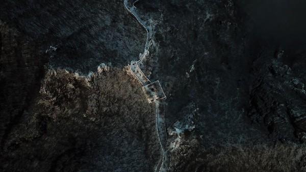 Bagian Tembok Besar China yang berada di Jiankou disebut kerap terabaikan. Diketahui, bagian Tembok Besar China ini terletak sekitar 100 Km di Utara ibu kota Beijing.