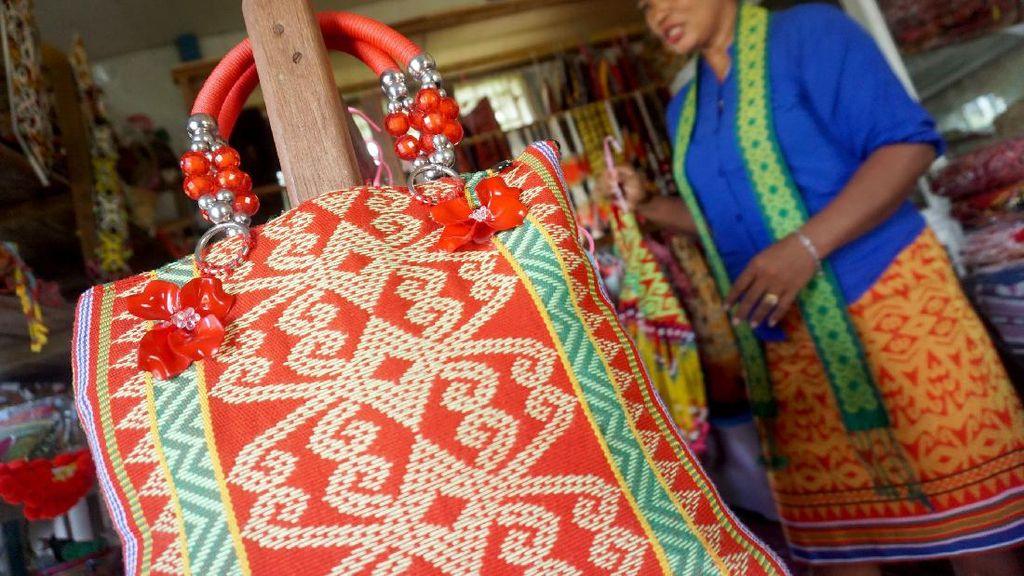 Sepi Peminat di Indonesia, Tenun Sidan Nyaris Diakui Milik Malaysia