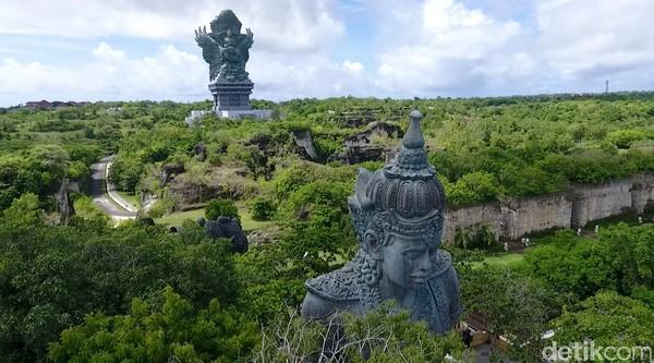Dengan ukuran patung Garuda Wisnu Kencana yang mencapai 121 meter, ini artinya tinggi patung melebihi patung Liberty.(Muhammad Ridho)