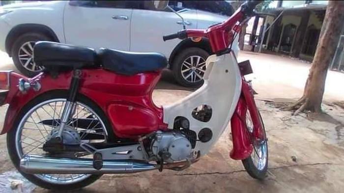 Kiai di Cirebon lelang motor antik dengan mahar puasa sunah
