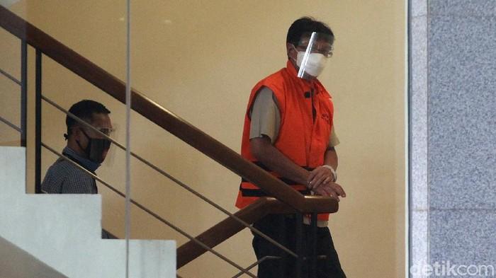 Mantan Direktur Teknik dan Pengelolaan Armada PT Garuda Indonesia Hadinoto Soedigno kembali diperiksa KPK. Ia diperiksa terkait kasus yang menjerat dirinya.