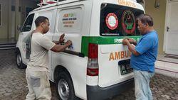 Ada Larangan, Tulisan FPI di Ambulans Gratis Hilmi Sumut Mulai Dilepas
