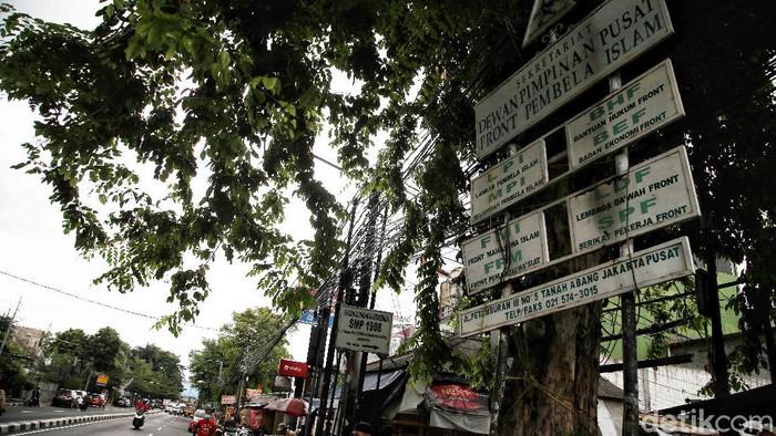 Pemerintah melarang atribut, simbol, dan kegiatan ormas FPI. Seperti apa kondisi terkini di kawasan Petamburan yang jadi lokasi Kantor Sektretariat DPP FPI?