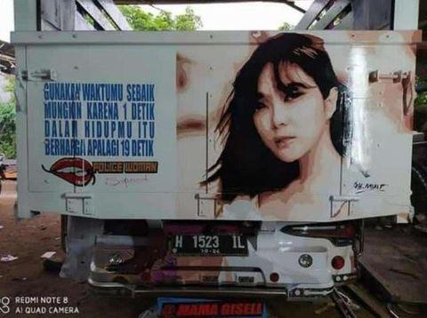 Viral di Twitter, belakang truk tulisan video Gisel.