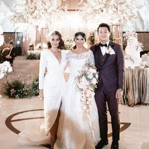 Gaya Seksi Agnez Mo Jadi Sorotan di Pernikahan Pebulutangkis Greysia Polii