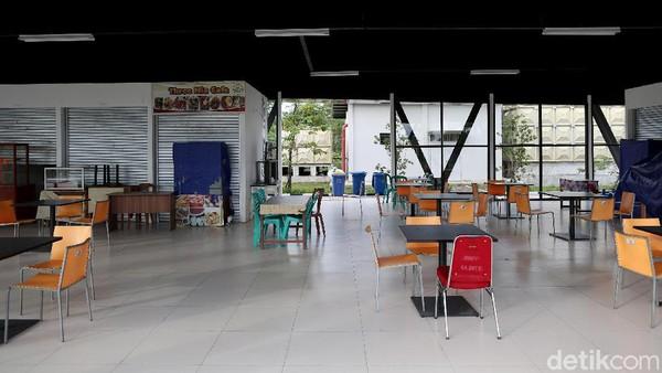 Sebagian besar pedagang yang menempati Pasar Wisata Badau itu berjualan makanan dan kuliner, serta berbagai minuman ringan.