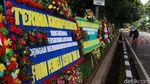 FPI Dibubarkan, Markas TNI-Polri Banjir Karangan Bunga