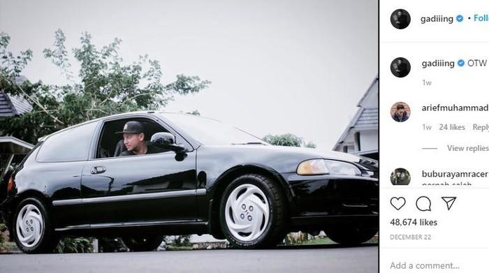 Honda Civic Estilo milik Gading Marten