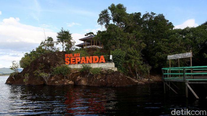 Pemkab Kapuas Hulu menjadikan Pulau Sepandan sebagai salah satu destinasi andalan Kapuas Hulu, tepatnya berada di Taman Nasional Danau Sentarum. Seperti apa sih?